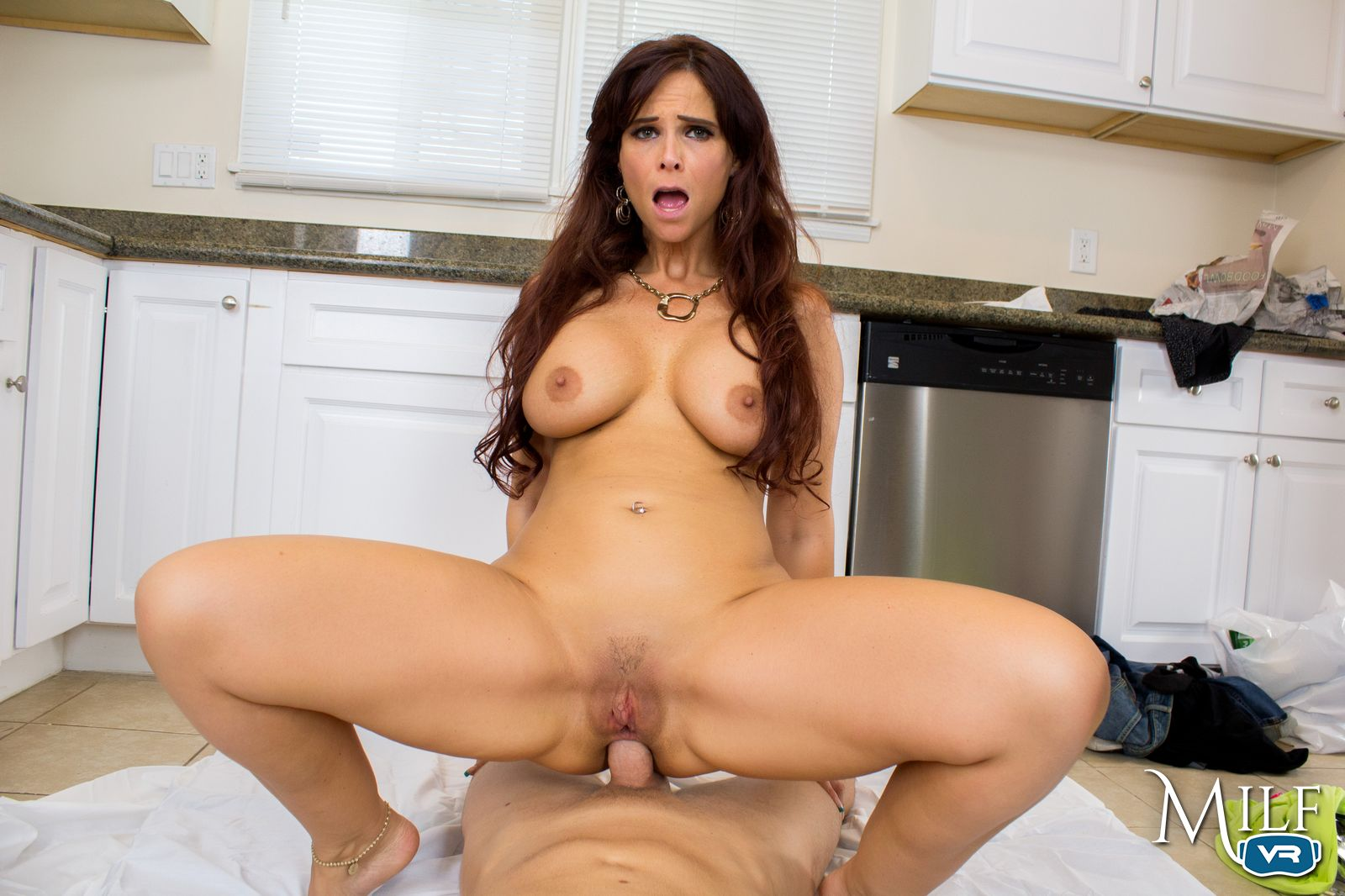 Experienced Cougar Syren De Mar Wants Your Big Tool Inside Her Tight Ass In This Milf Vr Anal Sex Video