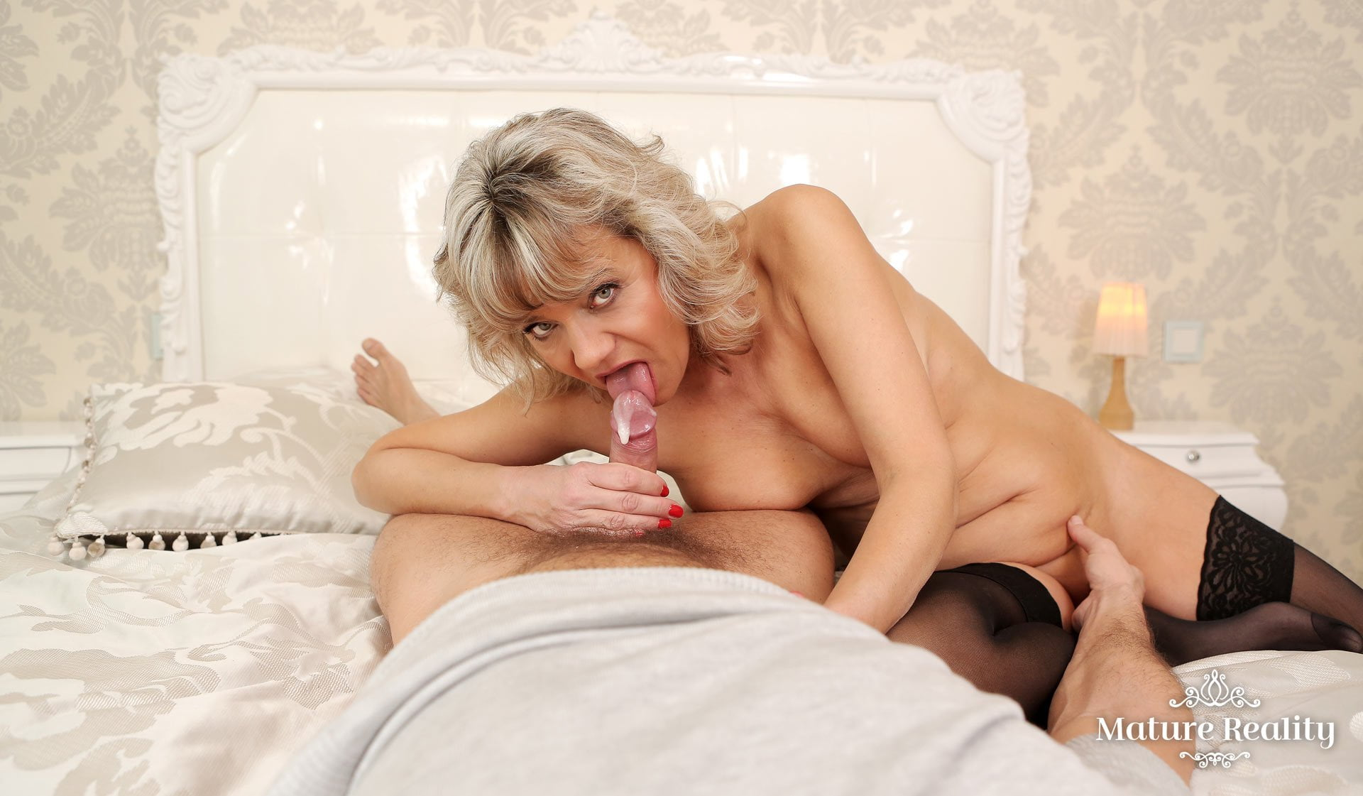 Horny Blonde Granny Wants Your To Fuck Her Mature Pussy -1420