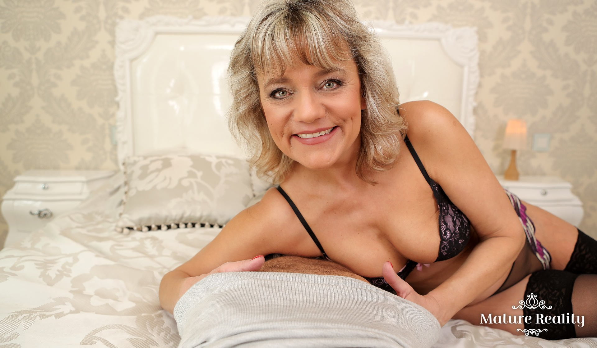Mature granny porn video
